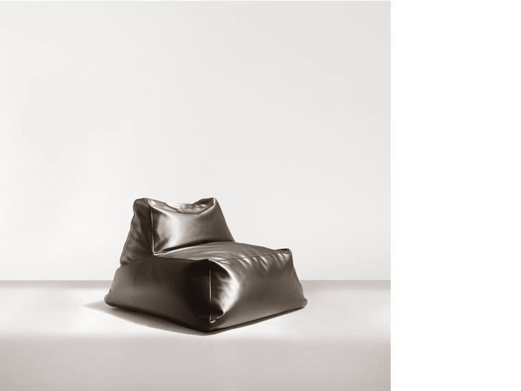 fd 201 Armchair by federico delrosso