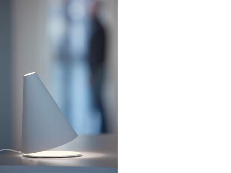 palpebra lampada da tavolo davide groppi